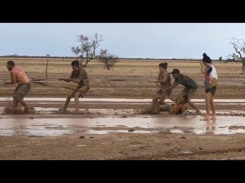 video: Rain in Australian dampens bushfires but long-term relief unlikely until March, forecasters warn