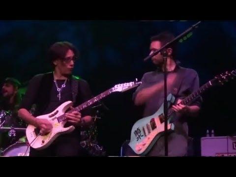 Steve Vai - Paul Gilbert DUEL Live