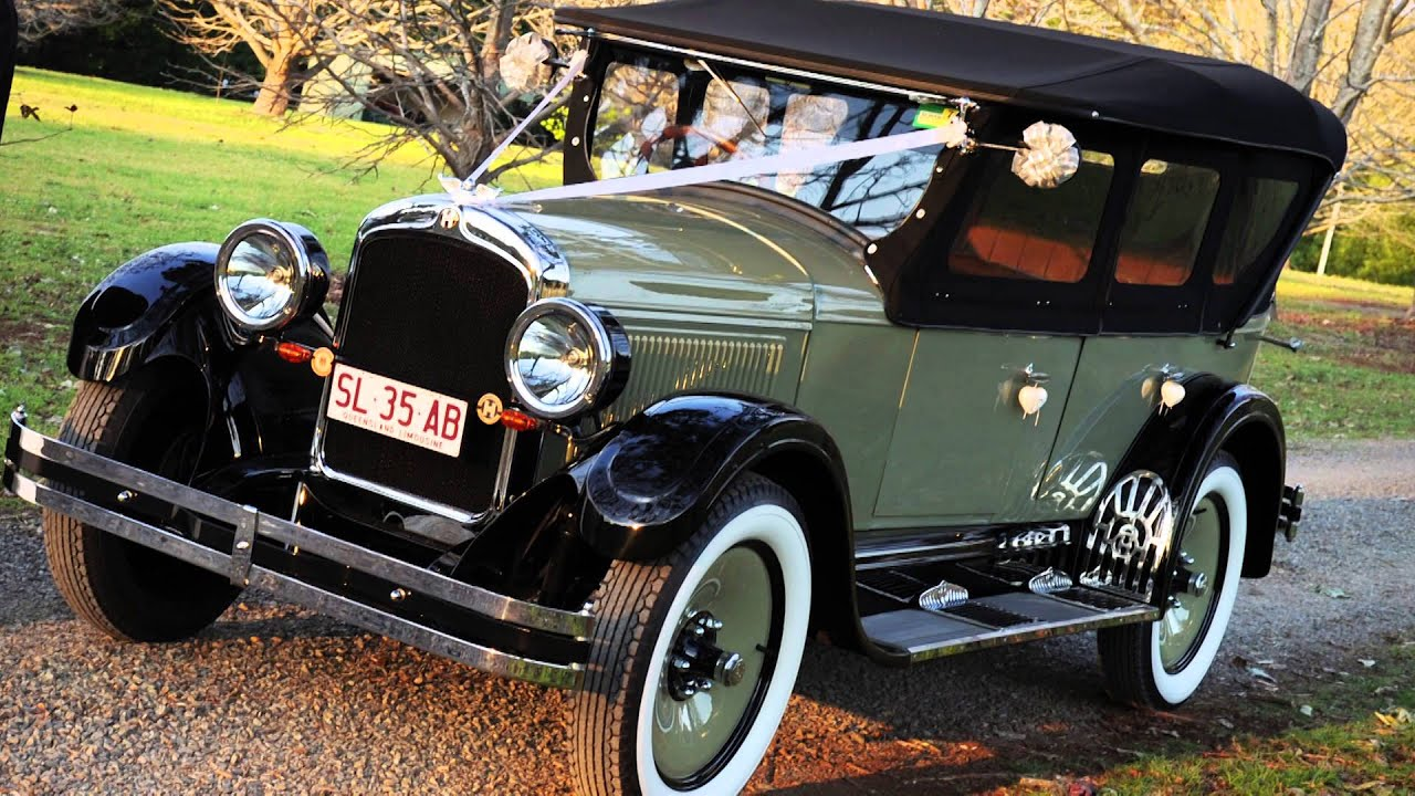 Gold Coast luxury vintage car hire - YouTube