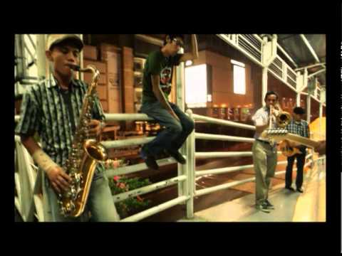 Monkey Boots - Tunggulah Tunggu (Official Music Video)