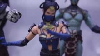 Mezco Toyz Mortal Kombat X & DC Figures SDCC 2015 Display