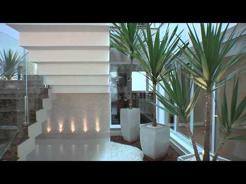 Um projeto elegante e clean assinado pela designer de interiores Leila Galiano.