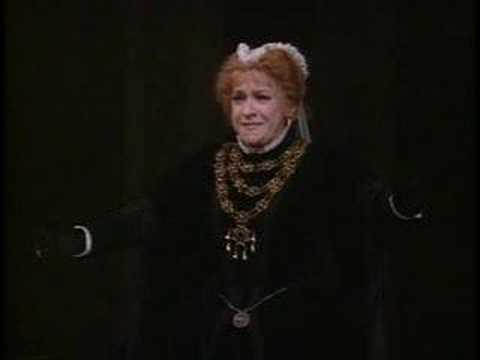 Ileana COTRUBAS sings Tu che le vanita from Don Carlo