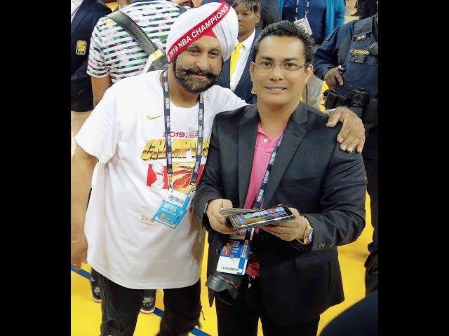 Raptor Super Fan Nav Bhatia meets John Melo with Raptors NBA Superstars Vince Carter, Tracy McGrady