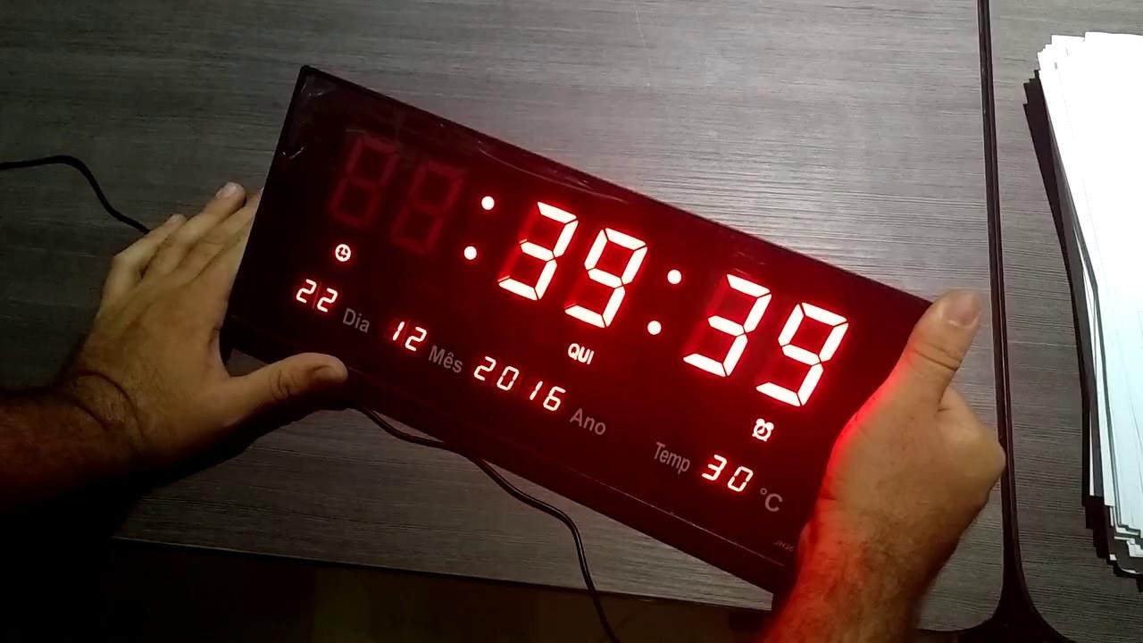 edeab57b6f7 Tutorial como ativar o alarme no Relogio Relógio De Parede Led Digital  Termômetro Alarme Calendário