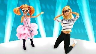 Игры одевалки: Стейси в гостях у Барби. Видео для девочек