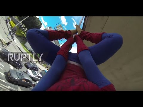 Colombia: Real life Spiderman flies over streets of Bogota