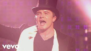 Westlife - Uptown Girl (Live At Wembley '06)