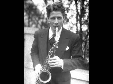 Rudy Vallee & His Connecticut Yankees - I Still Remember 1930