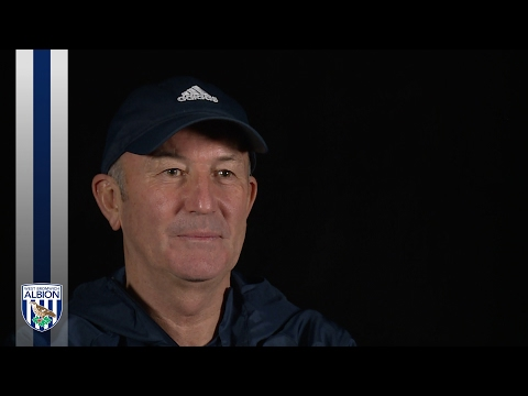 Pulis shows his support for Darren Fletcher
