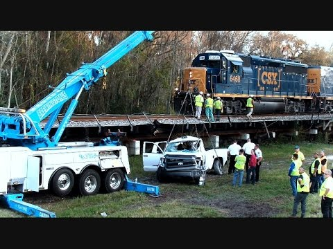 CSX Train Hits Truck Kills Driver Plant City Florida