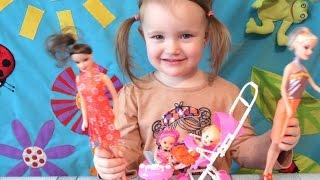 Дочки-Матери Есения играет в куклы  Видео для девочек