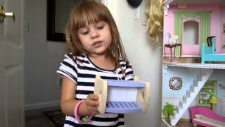 4 Year old Girl speaks 3 languages(English,Russian,Spanish)