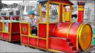 Runaway Train - Kids Ride On Having Fun