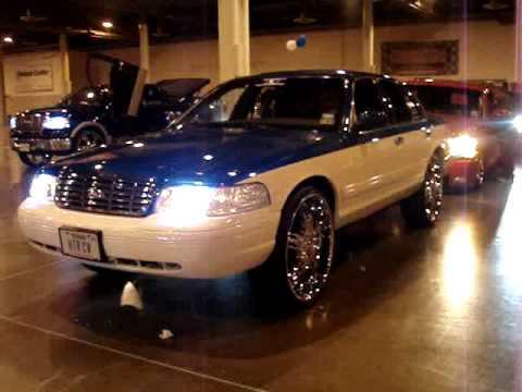 Crown Vic On 26s Fresh Paint