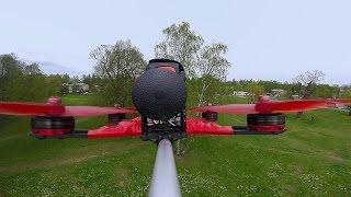 Как летает гоночный квадрокоптер, вид сзади