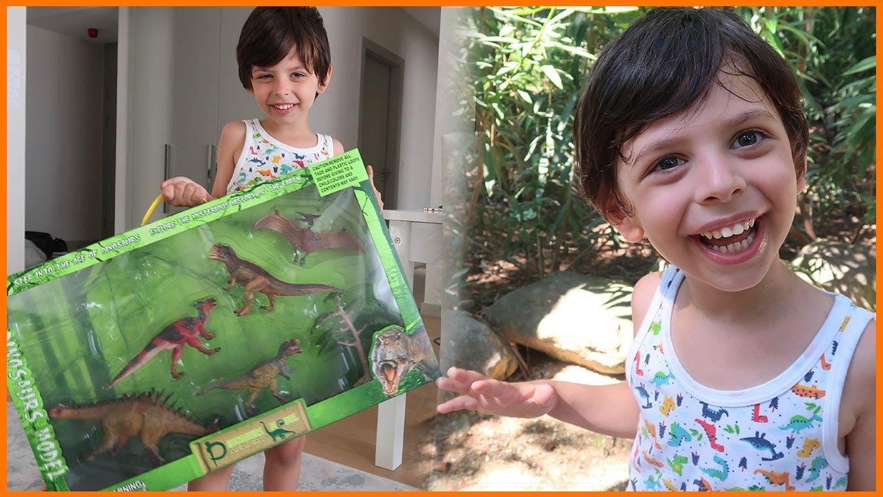 Dinopark'tan Oyuncak Alıp Dondurma Yedik