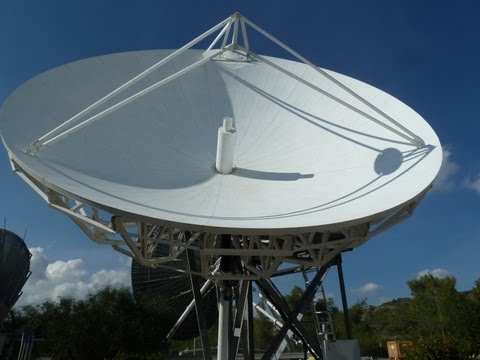 Skybrokers Installing A Scientific Atlanta (Viasat) 7m Earth Station Antenna On Cyprus