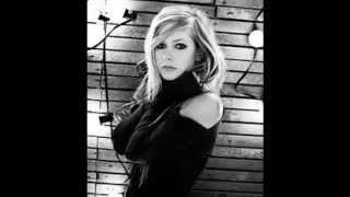 Avril Lavigne Won T Let You Go 5 More Seconds