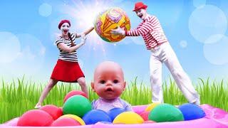 Новые игры для детей – Кукла БЕБИ БОН и Бассейн с шариками! – Смешные видео для девочек онлайн