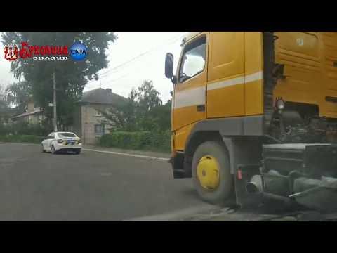 Буковина Онлайн: В Заставні водії важковаговиків нехтуючи ПДР їздять центральними вулицями