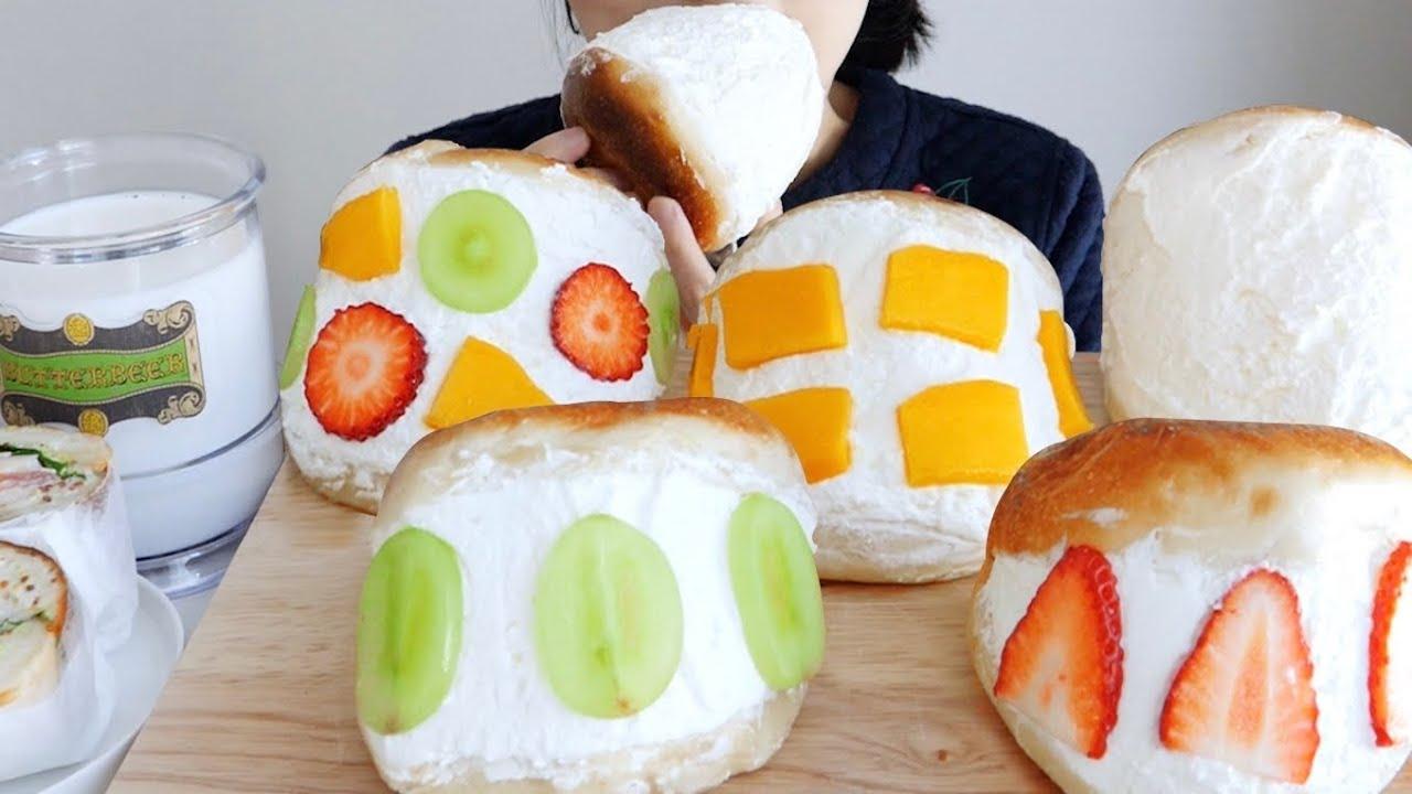 과일 생크림 베이글 노토킹 리얼사운드 먹방Whipped Cream bread with fruit eating ASMR _ realsound mukbang eatingshow