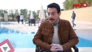 اتفرج | أحمد زاهر: نيو سينشري تقدم مسلسل«الحالة ج» بشكل سينمائي