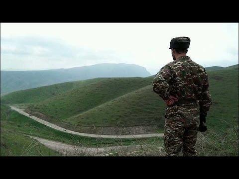 Кризис в Нагорном Карабахе обсуждают в Ереване и Баку.