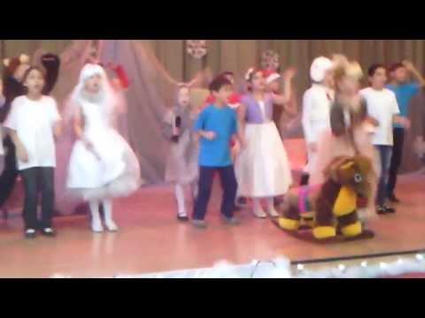видео: Новогодний спектакль  3Е класс Развилковской СОШ