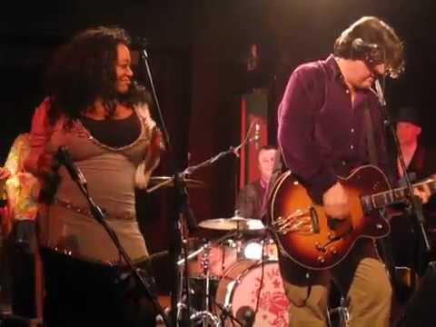 The Blow Monkeys & Kym Mazelle - Wait - 93 Feet East, London - February 2011