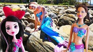 Дракулаура под ЗАКЛЯТИЕМ 🔮РУСАЛОЧКА пришла на помощь Куклам Школы Монстр Хай 💃 Видео для девочек
