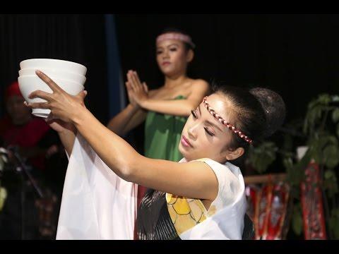 Opera Batak: Women at the Lake's Edge