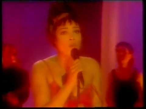 Kim Appleby - Mama (Wogan live vocal performance)