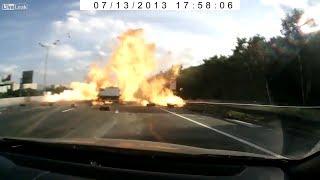 Подборка аварий - Грузовик с баллонами взрывается