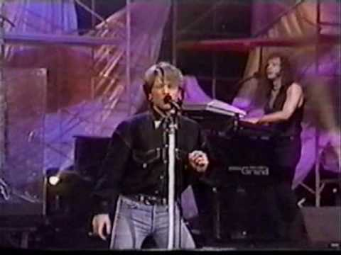 bon jovi - in these arms (1993, live in tonight show)