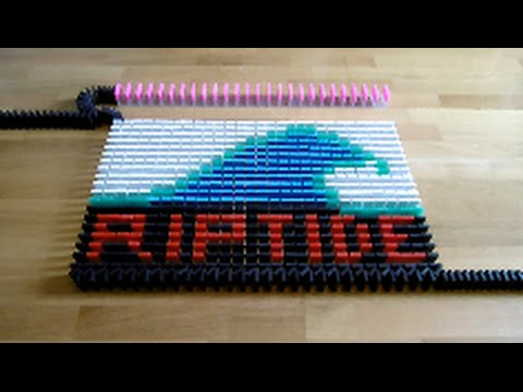Riptide - Vance Joy (lyric video) in 5000 dominoes!