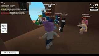 I Playing roblox for the golden star headphones :D (HIDE AND SEEK EXTREME)