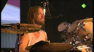 Pinkpop 2011: Foo Fighters - Dave Grohl introducing band + Cold Day in the Sun
