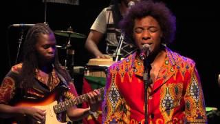 Stewart Sukuma & Banda Nkhuvu no Auditório Ibirapuera