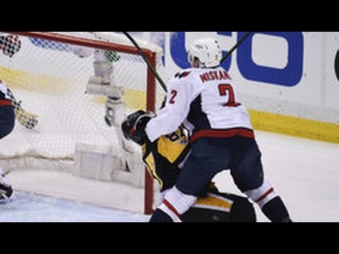 85a09c4533e Dangerous hit on Sidney Crosby by Matt Niskanen! was this done on purpose