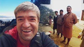 Веселый выпуск: деревня с заборами из дров, в гостях у ламы, буддийский монастырь и дзонг