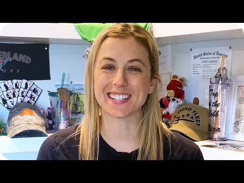 Iliza Shlesinger Wants To Hang Out With You… Virtually // Omaze