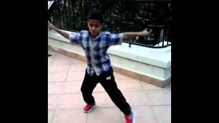 dance ey ey 2015 way way     طفل يرقص الواي واي