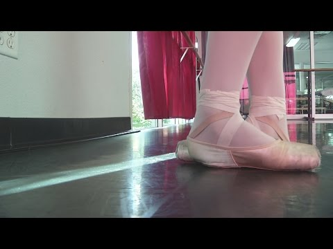 Las Vegas teen heads to elite ballet competition in New York