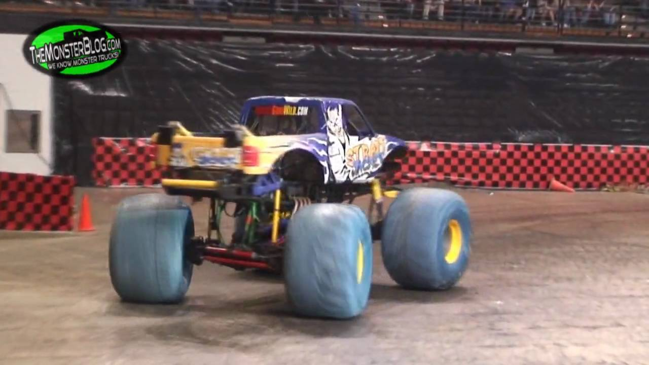 monster truck thunder slam jonesboro ar 2010 youtube. Black Bedroom Furniture Sets. Home Design Ideas
