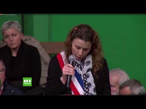 Emmanuel Macron ouvre le grand débat national à Grand Bourgtheroulde, dans l'heure