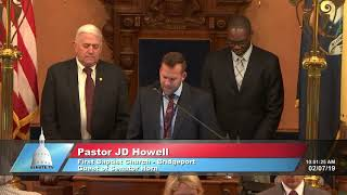 Sen. Horn welcomes Pastor Howell to the Michigan Senate to deliver the invocation