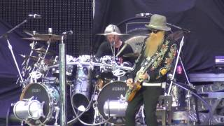 ZZ Top - Got Me Under Pressure (live at Hellfest 2013)