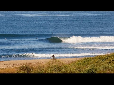 Locals surfing at Lowers: Trestles