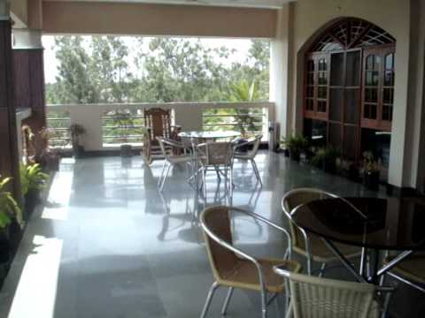 Alcove Jubilee Hills, Hyderabad service apartments - YouTube